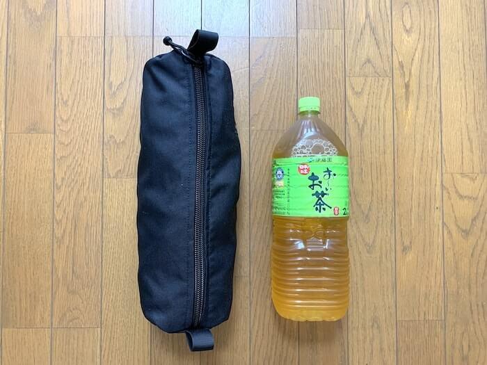 ヘリノックス タクティカルチェア 2Lペットボトルと比較