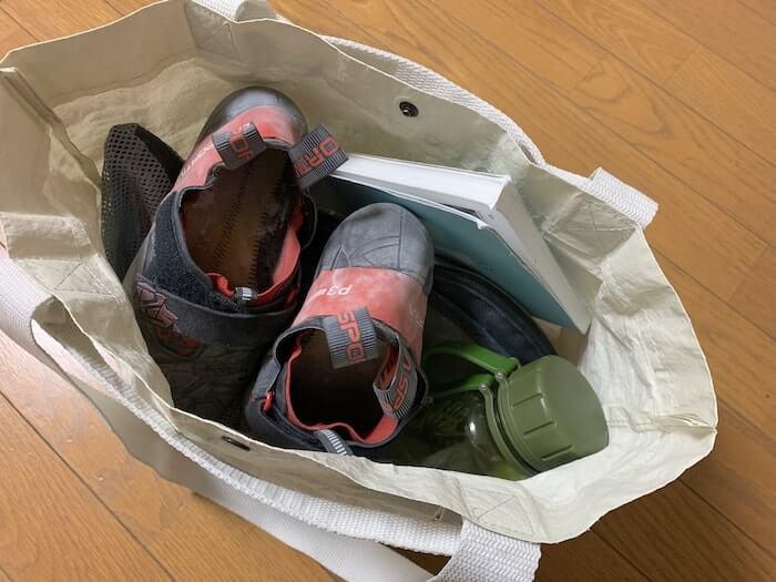 クライミングジムバッグ 無印良品「ポリエチレンシート・ミニトートバッグ」 意外と大容量