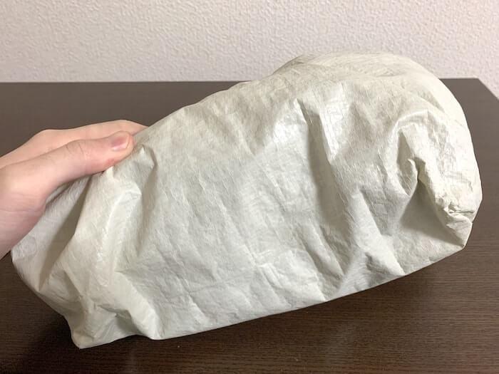 無印良品の「ポリエチレンシート・ミニトートバッグ」は小さくすることも可能