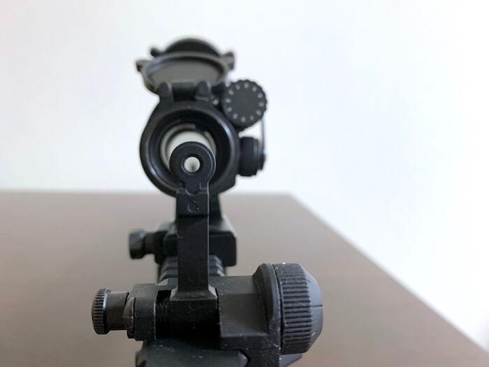 東京マルイ M4A1用フリップアップリアサイト 覗いたところ